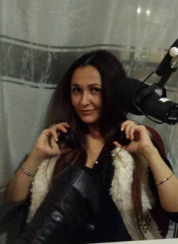 "Cezara ne-a prezentat cu amabilitate noua piesa ""Parfumul dragostei"" in studioul Aquarelle FM!"