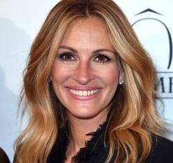 49-летнюю Джулию Робертс снова признали самой красивой