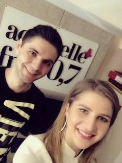 """Interpreta DARA ne-a povestit despre """"Istoria unei fete"""" in emisie directa pe Aquarelle 90,7FM!"""