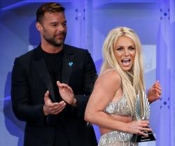 (фото) Бритни Спирс стала лауреатом ЛГБТ-премии